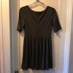 Jessica Simpson Dresses - Dark gray crinkle cotton dress with semi sleeves